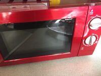 Hi selling my red Russell Hobbs microwave