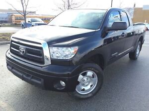 2012 Toyota Tundra SR5|4X4|Leather|One Owner|Accident free|Mint