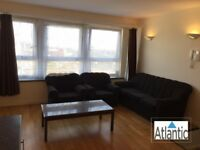 Large 2 Bedroom Flat In Greenwich, London, SE18, Local Train Station, Great Location