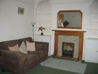 2 bed flat to rent Colliers Wood SW19