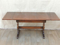 ERCOL solid wood extendable dining table (Delivery)