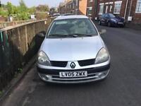 Renault Clio - 11 month MOT