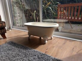 Miniature ball and claw bath (for posh baby or posher dog 🐕)