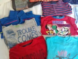 BARGAIN BUNDLE OF BOYS CLOTHING AGE 4-5