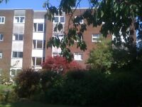 HOLIDAY FLAT AVAILABLE 2 DOUBLE BEDROOMS FOR SHORT TERM/ LONG TERM , NEAR CITY CENTRE OF GLASGOW