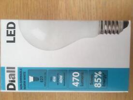 Unused LED E27 screw lightbulbs A++