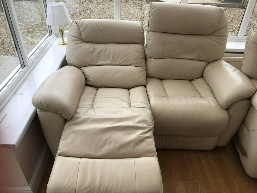 3 Peice Cream Recliner Lazy Boy Sofa Suite In Cramlington