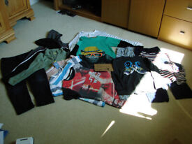 BOYS AGE 9 - FLEECE TOPS, LONG SLEEVED T- SHIRTS, TROUSERS, SHORT SLEEVED- T SHIRTS, PJS-ALL PHOTOS