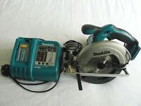 MAKITA DS611 CIRCULAR SAW WITH CHARGER - EXCELLENT WORKING CONDITION