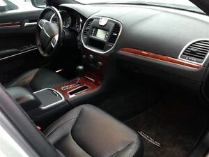 2012 Chrysler 300 Touring $76.14 A WEEK + TAX OAC - BAD CREDIT A Windsor Region Ontario image 11