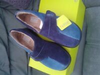 Ladies slippers. - Hotter size 5