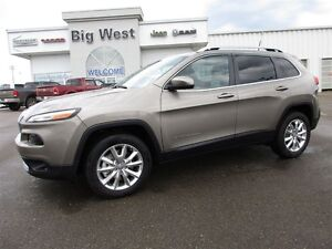 2016 Jeep Cherokee Limited 3.2L V6 leather / sunroof / navigatio