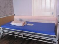 Fully profiling Electric Adjustable Height Homecare Hospital Bed