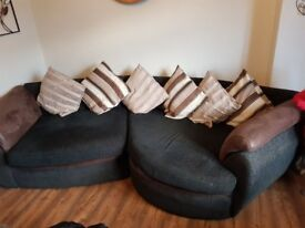 Selling large sofa and swiffle chair £30 no offers pick up only
