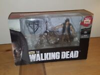 THE WALKING DEAD SERIES 5 DARYL FIGURE WITH HIS BIKE BOXED