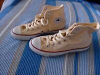 Converse size 4 excellent condition