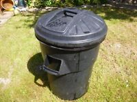 garden waste drum with lead cover,for any garden waste , can be very handy,only £9,stanmore,middx...