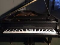 BRAND NEW TESORO NERO DIAMOND SPARKLE BABY GRAND PIANO
