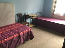Large Double share in Stratford only £80pw