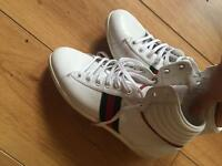 GUCCI TRAINERS - SIZE 4