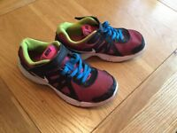 GIRLS NIKE REVOLUTIONS TRAINERS SIZE 2