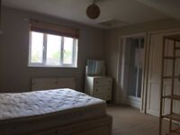 one double room for 1 in London,Hampton,TW12