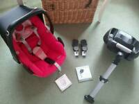 Maxi Cosi Pebble Car Seat and Easy fix 2 Base with Pram adapters