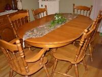 SOLID WOOD ROXTON MAPLE DINING ROOM SET