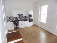 Large fully furnished studio flat in the Centre of Brighton on Kings Road