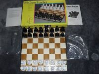 CHESS TEACHER BY PAVILION - A LEARNING SET FOR BEGINNERS - TEACHERS THE DIFFERENT PIECES AND MOVES