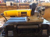 De Walt DW682 240volt 600 watt biscuit cutter
