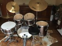 MAPEX full 5 pieces drum set + stool + cymbals
