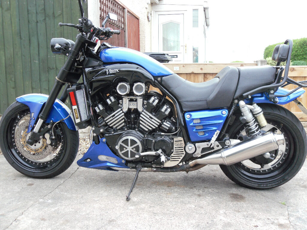 Yamaha V MAX Full Power Custom Streetfighter