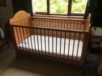 Mamas and papas Victoria cot bed