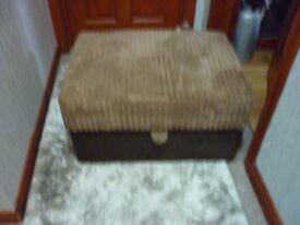 Footstool/storage/coffee table