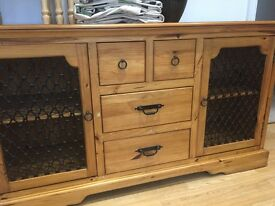 Solid pine sideboard/unit with 2 side doors & 4 drawers