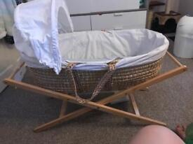 Free!Moses basket with stand