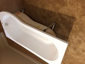 P Shaped Bath, Right Hand, Un used -with tap holes. Mint condition.