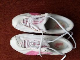 Ladies trainers PUMA size 6 , pink white genuine
