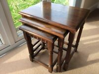 NEST OF TABLES IN GOOD CONDITION