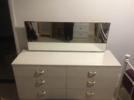 Dressing table with 6 drawers