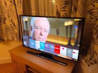"""SAMSUNG 40"""" 4K UHD SMART TV,SMALL WHITE DOT IN CORNER,HARDLY NOTICEABLE £210 NO OFFERS CAN DELIVER"""