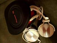 PIONEER HDJ 1500 DJ HEADPHONES IN WHITE WITH CASE AND BOX