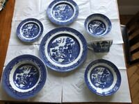 Willow Pattern 7 piece 6 place setting dinner and tea service