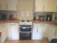 2 bedroom flat with garage and driveway for 2 or 3 bedrooms