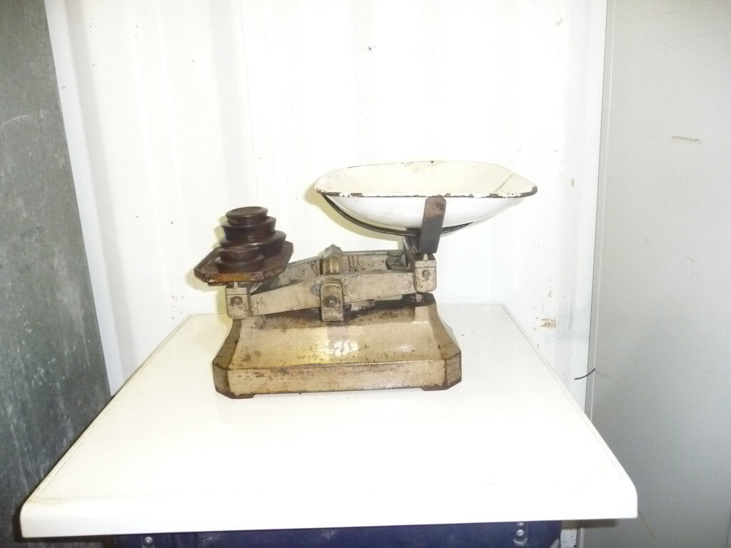 CAST IRON BALANCE SCALES WITH WEIGHTS