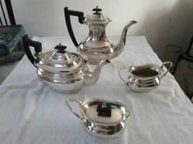 Vintage silver plated tea and coffee pots with milk and sugar bowls (4 pieces)