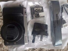 PANASONIC DMC -GX80K 16MP digital CAMERA and accesories