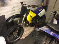 Suzuki RM 125 motocross motox