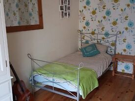 Spacious room to let in family home, village of Brundall good access via public transport to Norwich